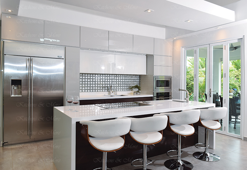 kitchens-and-more-puerto-rico-diseno-de-cocinas-modernas-blanca-actual-02